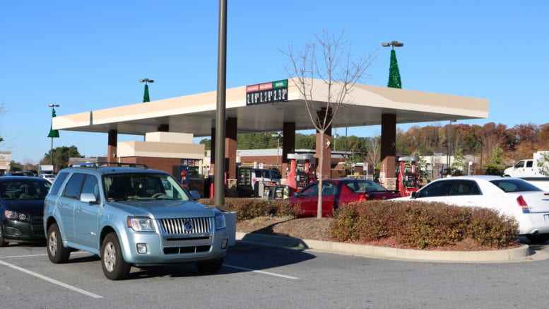 Georgia gasoline prices steady with image of Kroger gas station on South Cobb Drive and Concord Road