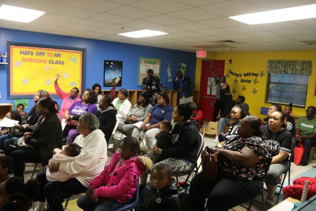 Riverside drive apartment renters gather in Town Hall meeting (photo by Larry Felton Johnson)