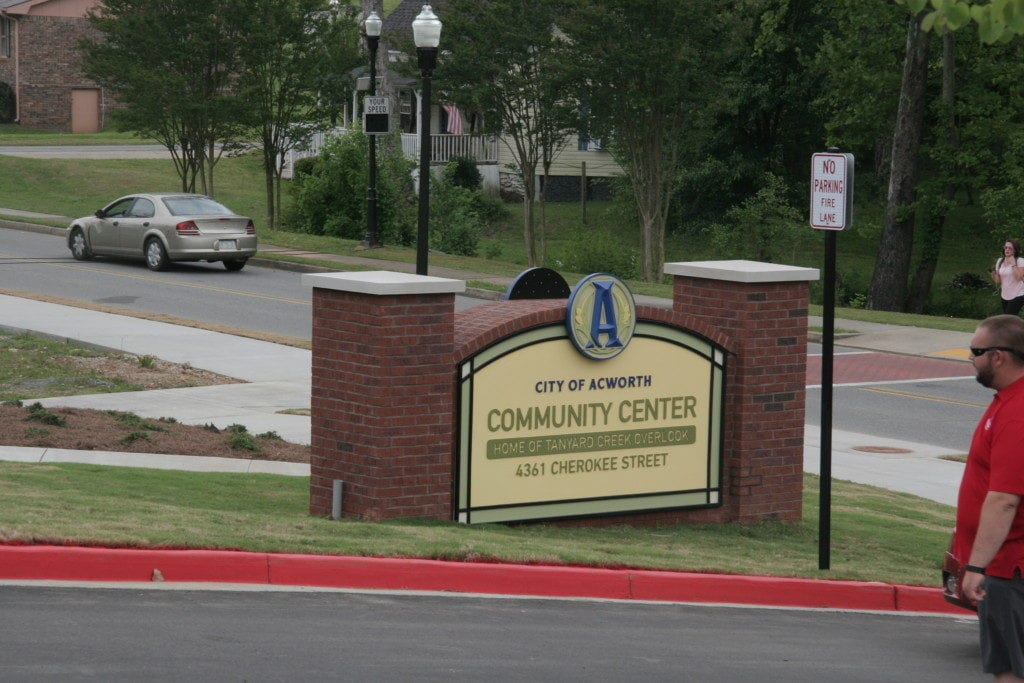 Sign for the Acworth Community Center