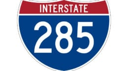 I-285 sign accompanying article about daytime lane closures Cobb