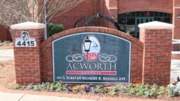 Acworth City Hall in article about Acworth Board of Aldermen meeting