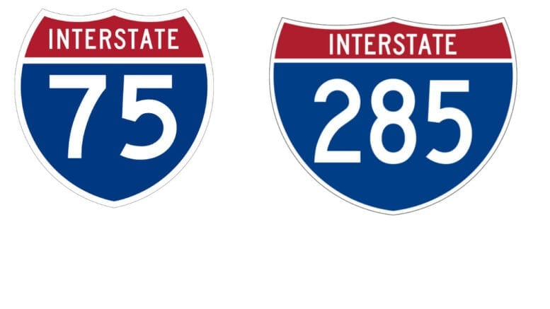 I-75 and I-285 signs in article about GDOT lane closures in Cobb